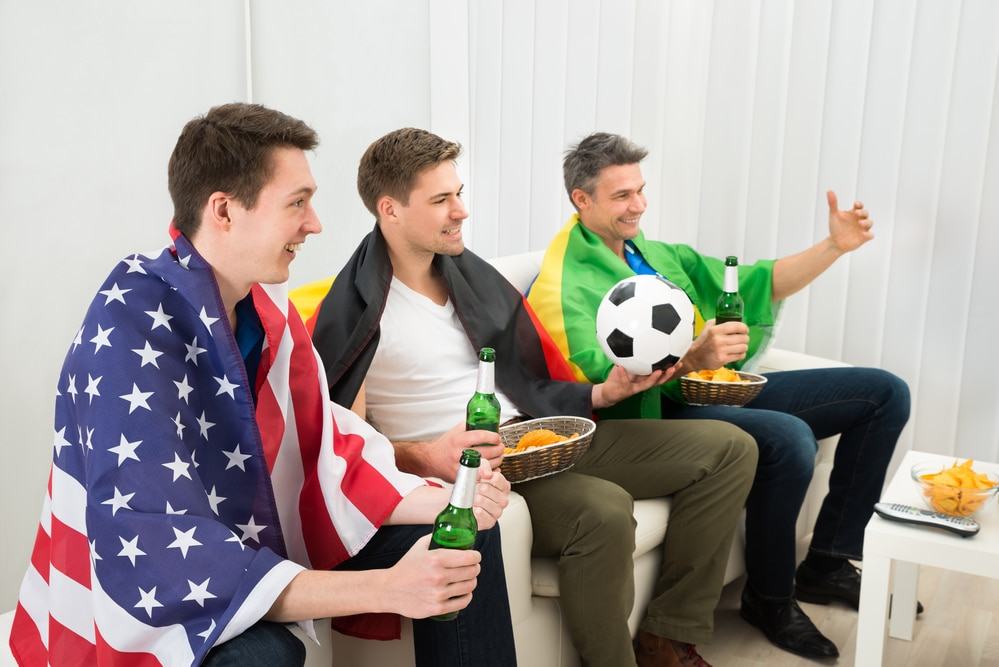 Men_Enjoying_Football