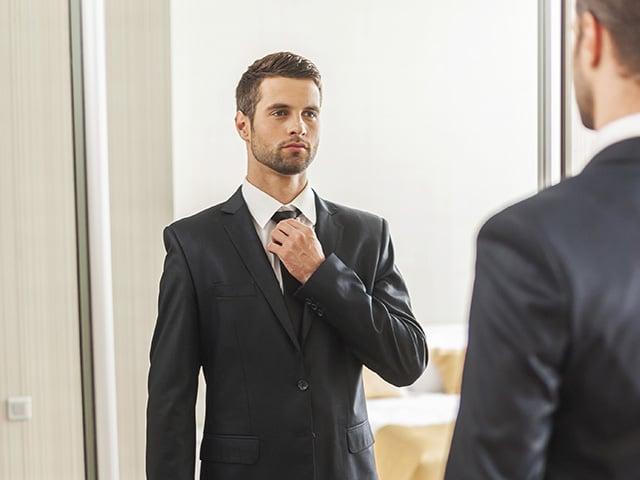 man-infront-of-mirror