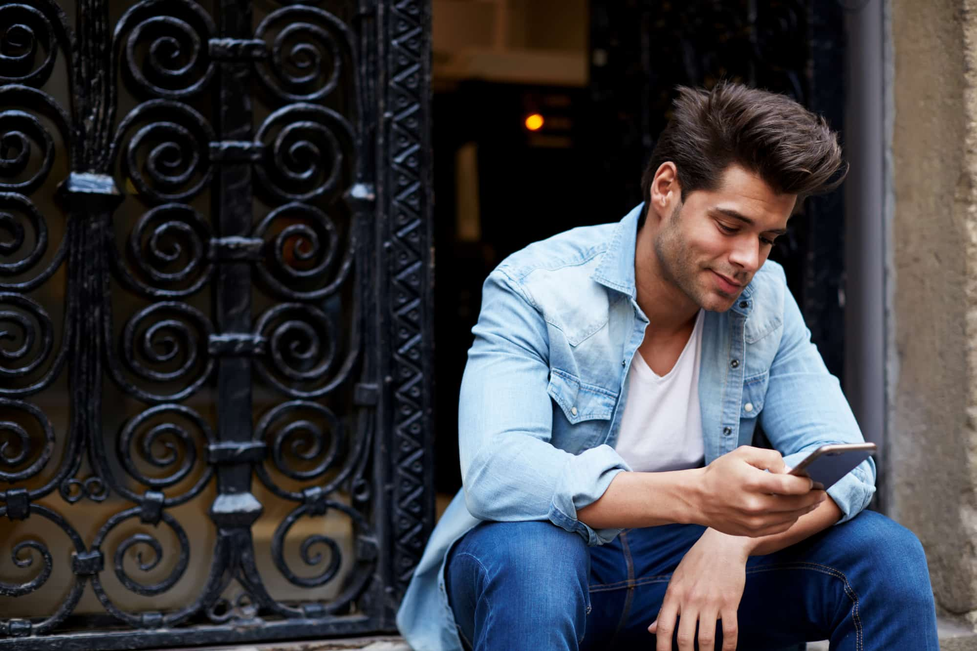 My Ex Texted Me Then Ignores Me (9 Reasons Why) - Her Norm