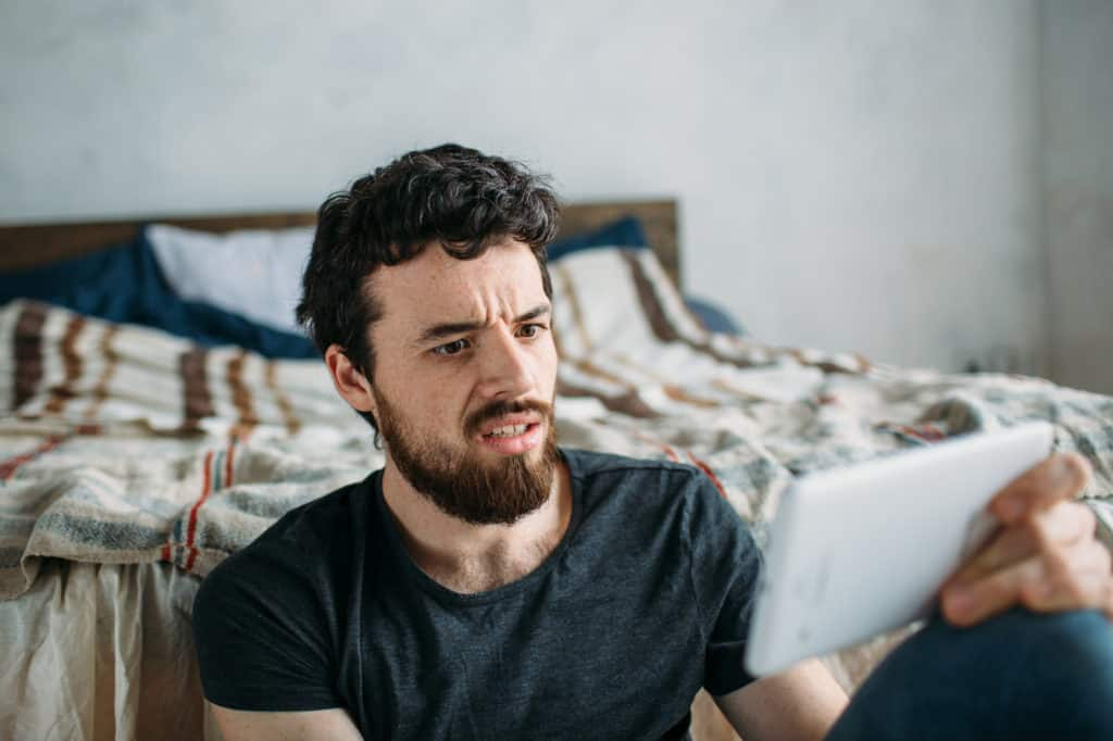 8 Unfortunate Signs A Taurus Man Doesnt Like You - Her Norm