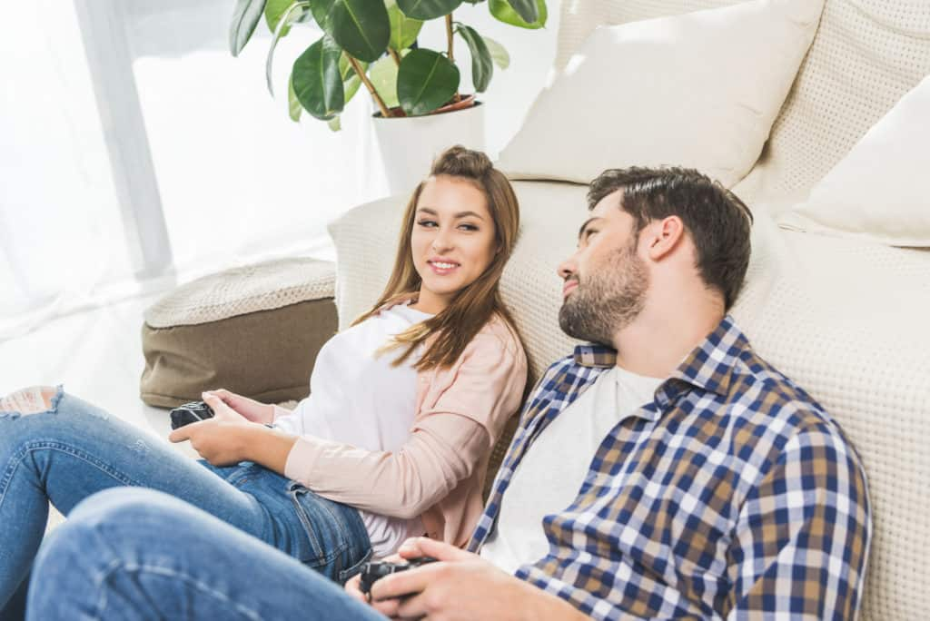 play video games together